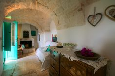 Panoramic Trulli Pinnacolo VERDE with pool cosy complex of 5 cones with pool, just off the characteristic centre of Alberobello, Unesco World Heritage.