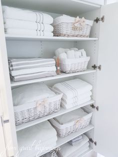 Linen Closet Organisation - From Great Beginnings - Healty fitness home cleaning Home Organization, Linen Closet, Room Organization, Closet Organisation, Home Organisation, Linen Cupboard, Linen Closet Organization, Bathroom Closet, Bathroom Decor