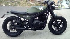 Go look at several of my favourite builds - custom scrambler builds like this Cb 750 Cafe Racer, Suzuki Cafe Racer, Custom Cafe Racer, Cafe Racer Bikes, Gs500, Cafe Racing, Bobber Chopper, Cafe Racer Motorcycle, Honda Cb