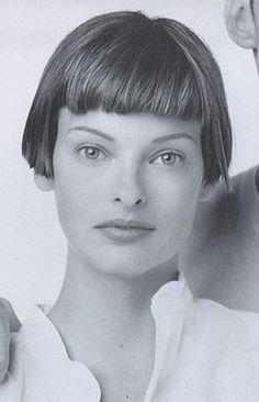 LINDA EVANGELISTA.Vogue US May 1993 - ph. Steven Meisel . Not an actress, but I just love her look.