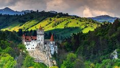 Come and visit Dracula's Castle in Transylvania! See the fabled structure as well as other gothic castles and the Carpathian Mountains. Book through Klook now to enjoy round-trip transfers from your hotel in Bucharest. - Klook US Christmas Abbott, Peles Castle, Romania Travel, Romania Tours, Transylvania Romania, Spooky Places, Haunted Places, Walking Holiday, Cosy Winter