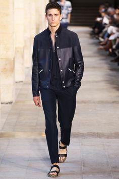 hermes spring summer 2014 collection 0023 350x525 Hermès Spring/Summer 2014 Menswear | Paris Fashion Week