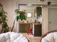Brita Zackari säljer sitt torp – titta in Home Interior, Interior Decorating, Interior Design, Interior Ideas, Gravity Home, Scandinavian Home, At Home Store, Cool Rooms, Trends