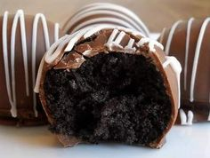 OREO TRUFFLES-can use any sandwich type cookie and play with flavor combos