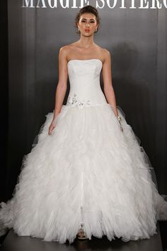 Ball Gown Wedding Dress, Dramatic, Fitted Bodice, Designer Gowns || Colin Cowie Weddings