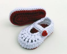 Crocheted Valentines Day Mary Jane Baby Booties by LittleLillyBug, $14.00