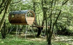 Live in Harmony with Nature in These Super Sexy Tree House Cabins / The Green Life <3