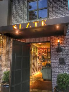 As part of my Restaurant of the week series, I wanted to share one of our favorite places to eat and hang out at; SLATE, which is located on Restaurant Row in Dr Phillips, Co located with Trader Joe's.