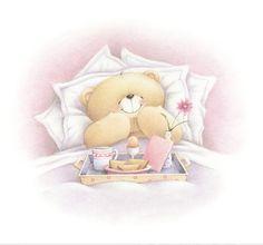 Osito tierno comiendo en cama:)