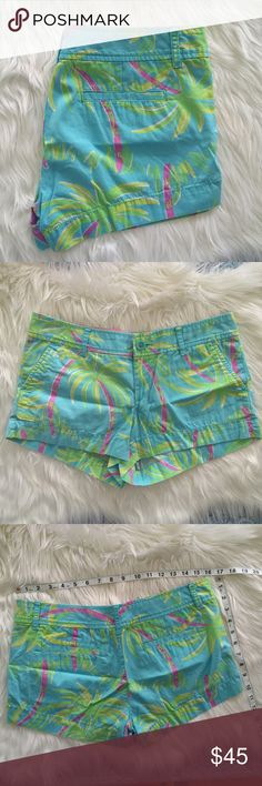 Lilly Pulitzer Lazy and Hazy Walsh Short Lilly Pulitzer Walsh Short Shorely Blue Lazy and Hazy • Condition: used. Normal wear from use and washing. • NO TRADES Lilly Pulitzer Shorts