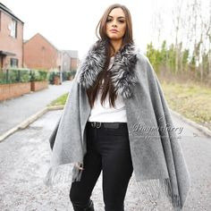 Wool Cape With Silver Fox Fur Collar | Etsy Wool Cape, Wool Poncho, Boho Chic, Duster Coat, Fur Coat, Vintage Buttons, Fur Collars, Fox Fur, Lana