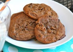 Chocolate Chip Cookies (grain free, gluten free, dairy free, refined sugar free) Makes about a dozen ♥ 1 cup raw almond butter ♥ cup raw honey ♥ 1 egg ♥ tsp baking soda ♥ tsp salt ♥ cup Enjoy Life chips Raw Almond Butter, Almond Butter Cookies, Almond Flour, Paleo Dessert, Healthy Desserts, Dessert Recipes, Healthy Foods, Delicious Desserts, Yummy Food