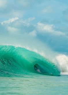 high enough to see the sea Water Waves, Sea Waves, Sea And Ocean, Ocean Beach, Surfing Images, Deep Blue Sea, Tropical Beaches, All Nature, Beautiful Ocean