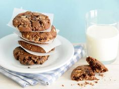 Chocolate Oatmeal Cookies http://www.prevention.com/health/diabetes/10-diabetes-friendly-cookie-recipes/chocolate-oatmeal-cookies