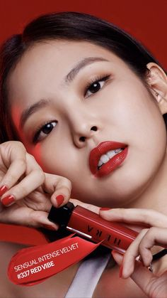 Jennie for Hera (Red Vibe collection) Yg Entertainment, Rapper, Ysl Beauty, Photoshoot Makeup, Glass Skin, Asian Makeup, Chanel, Blackpink Photos, Jennie Blackpink
