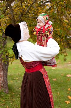 Scandinavian Folklore - The godmother wears a costume from Boda, while the child is dressed in a christening robe from Rättvik, Dalarna. Folk Costume, Costumes, Scandinavian Style, Swedish Decor, Swedish Design, Mother And Child, People Around The World, World Cultures, Traditional Dresses
