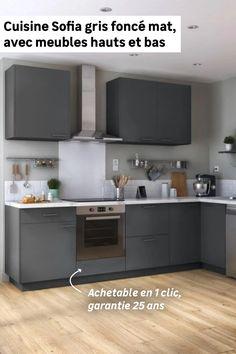 Besoin d'un maximum de rangements dans un minimum de place ? La cuisine en L Sofia est faite pour vous. Avec ses 3 meubles hauts et ses 5 meubles bas dont un d'angle avec rangement intégré et un pour intégrer un four, vous bénéficierez d'une grande capacité de rangement. Tendances en gris foncé, ces meubles apporteront du caractère à votre cuisine. Kitchen Cabinets, Minimum, Four, Place, Home Decor, Kitchen Grey, Corner Vanity Unit, Stockings, Storage