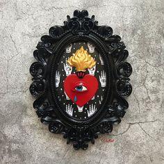 Quadro personalizzato come idea regalo per una persona speciale  #exvoto #cuoresacro #decorazione #pareti Frame Wall Decor, Framed Wall, Frames On Wall, Decorative Plates, Black, Instagram, Home Decor, Decoration Home, Black People