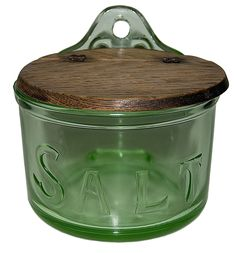 Depression Glass RARE Green Round Embossed Salt Box / Possibly Jeannette - Salt Box - Ideas of Salt Box Antique Dishes, Antique Glassware, Vintage Dishes, Vintage Kitchen, Cuisine Diverse, Salt Box, Vaseline Glass, Pots, Pink Depression Glass