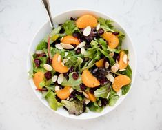 Spinach & Mandarin orange Salad Recipes is Among the Favorite Salad Recipes Of Numerous Persons Across the World. Besides Easy to Create and Excellent Taste, This Spinach & Mandarin orange Salad Recipes Also Healthy Indeed. Salad Recipes For Dinner, Summer Salad Recipes, Healthy Salad Recipes, Gf Recipes, Veggie Recipes, Delicious Recipes, Spinach Mandarin Orange Salad, Mandarin Oranges, Feta