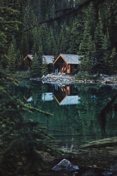 Ponderation — banshy: Yoho National Park by Jackson De Matos Into The Woods, Cabins In The Woods, House In The Woods, Forest Cabin, Forest House, Beautiful Homes, Beautiful Places, Yoho National Park, Cabins And Cottages