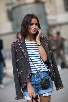 Paris Street Style Fall Couture 2013 - 2013 Fall Haute Couture Parisian Street Style - Harper's BAZAAR - Miroslava Duma in a Chanel jacket and bag Street Style Chic, Street Style Outfits, Autumn Street Style, Chanel Street Style, Chanel Style, Mira Duma, Miroslava Duma, Celebrity Style Inspiration, Mode Inspiration