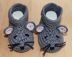 Crochet pattern for cute Baby's Mouse-Booties, 3 sizes https://www.crazypatterns.net/en/items/36762/crochet-pattern-for-cute-baby-039-s-mouse-booties-3-sizes