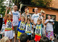 Familienfest 2016 Zum ÖVP-Familienfest kamen mehr als 800 Besucherinnen und Besucher. Eine Rekordteilnahme gab es beim Stadtlauf, an dem mehr als 130 Kinder teilnahmen. Sports, Tops, Fashion, Kids, Hs Sports, Moda, Fashion Styles, Sport, Fashion Illustrations