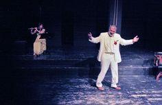 Κατανόηση και συμπόνοια, το κλειδί τού σήμερα και τού χτες. Αυτή είναι μία συνέντευξη με τον #Δημήτρη_Βερύκιο για την παράστασή του «Το όνειρο ενός γελοίου», που ανεβαίνει στο Θέατρο Βαφείο με συμμετοχή της Ευτυχίας Δημητρακοπούλου, σε σκηνοθεσία Τάκη Χρυσικάκου.   Από τον Δημήτρη Νάκη  #theater #theatre #actor #scene  http://fractalart.gr/dimitris-verikios/