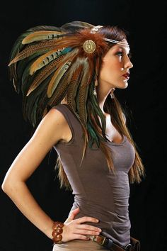 Feather Headdress perfect for the festival season. We love this unique piece at wonderland wigs. Feather Headpiece, Fascinator, Boho Gypsy, Mode Costume, Indian Costumes, Tribal Belly Dance, Steampunk Costume, Halloween Disfraces, Native Indian