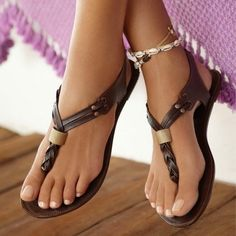 Cheap shoes echo, Buy Quality shoes hat directly from China shoes louis Suppliers: Deep Brown Flip Flop Women Sandals Flat Heels Summer Shoes Sapato Feminino Causal Style Flip Flops 2017 New Ladies Shoes Fashion Cute Sandals, Cute Shoes, Me Too Shoes, Flat Sandals, Brown Sandals, Leather Sandals, Braided Sandals, Flat Shoes, Pretty Sandals