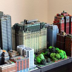 Miniature New York Plaza Hotel Gotham News, Architectural Scale, Global Village, Slot Car Tracks, Plaza Hotel, Model Train Layouts, Moving House, Model Trains, Scale Models