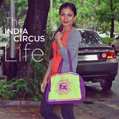 Caught at Colaba!! Traicy ,a stylish young designer with our very own #jalebi flower power #hand bag. #indiacircus #sale