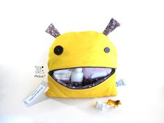 Changing Bag Smiling Monster  Zé Nappie-glutton by Zezling on Etsy