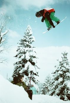 To be THIS good #snowboarding