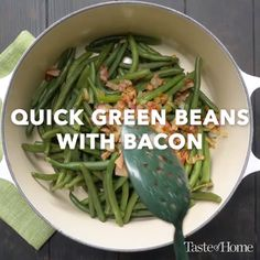 Quick Green Beans with Bacon is part of Green beans with bacon Green beans with bacon and onions makes such an easy side dish Fresh beans lend a crisp, bright flavor to any meal They& best when - Bacon Recipes, Side Dish Recipes, Dinner Recipes, Cooking Recipes, Healthy Recipes, Tasty Videos, Food Videos, Vegetable Side Dishes, Vegetable Recipes