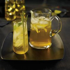 This Thai-inspired combination of infused fresh lemongrass and jasmine green tea is intensely flavoured and, in authentic Thai tradition, wonderfully sweet.