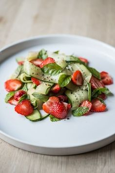 Salad with cucumbers and mint