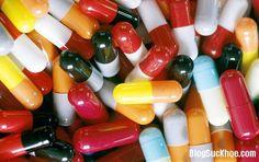Hiện nay tình trạng sử dụng kháng sinh một cách bừa bãi không chỉ trên toàn thế giới mà ngay tại nước ta. Sử dụng kháng sinh bừa bãi sẽ đưa đến nhiều hậu quả xấu cho sức khỏe người bệnh đang được điều trị, đồng thời gây hậu quả nghiêm trọng cho cộng đồng, đó là vi khuẩn sẽ kháng thuốc. Vậy nên...
