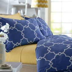 Affordable chic timeless modern bedding for your room dorm or apartment. I recommend this soothing blue pattern. Perfect for catching some shut eye! http://www.ebay.com/itm/Full-Queen-Duvet-Cover-Set-3-Pieces-Cover-2-Shams-Bedroom-Decor-Bedding-Home/162129643722?_trksid=p2047675.c100011.m1850&_trkparms=aid%3D222007%26algo%3DSIC.MBE%26ao%3D1%26asc%3D38530%26meid%3D0c3b7abe87fb49af9ae1d282a35d25c7%26pid%3D100011%26rk%3D3%26rkt%3D11%26sd%3D222094334154&rmvSB=true #dormbedding #affordablebedding
