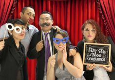Accesorios para fiesta de graduación / Photobooth / Picks de Lentes, Bigote, Besos / Pizarrón Negro / Por Fin Nos Graduamos