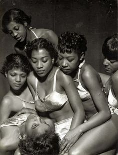 Rare Images of the American Negro Ballet.The American Negro Ballet Company formed in 1934 under the direction of Eugene Von Grona. Von Grona, an immigrant from Germany wanted to blend. Black History Facts, Black History Month, Black Power, Grand Art, Black Ballerina, Vintage Black Glamour, Ballet Dancers, Black Dancers, Ballerinas