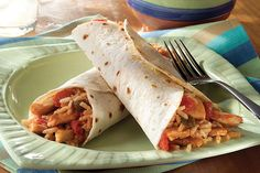 Try a simple chicken taco recipe and skip the takeout. These Soft Chic. - Try a simple chicken taco recipe and skip the takeout. These Soft Chicken Tacos are a per - Healthy Taco Recipes, Chicken Taco Recipes, Mexican Food Recipes, Dinner Recipes, Cooking Recipes, Skillet Recipes, Rice Recipes, Bhg Recipes, Recipe Chicken