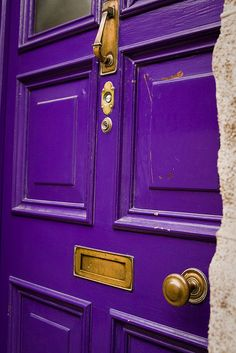 purple door in Cahersiveen