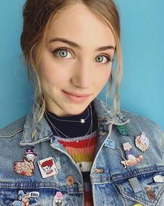 Emily Rudd Instagram, Fitz And Simmons, Chica Cool, Young Girl Fashion, Female Character Inspiration, Lovely Eyes, All The Things Meme, Famous Women, Girl Pictures