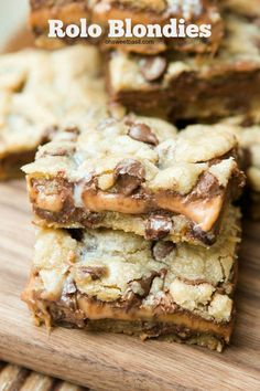 You HAVE to make these rolo blondies! ohsweetbasil.com