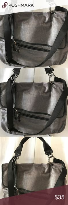 Kenneth Cole Messenger Bag Excellent! Kenneth Cole Bags Crossbody Bags