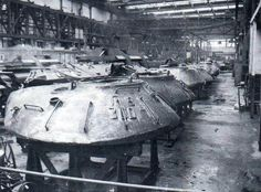 Turrets of the heavy tanks IS-3 in factory, Leningrad / wieże czołgów ciężkich IS-3 w fabryce w Leningradzie