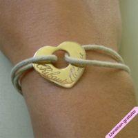 Bracelet coeur percé gravé et personnalisé avec un prénom