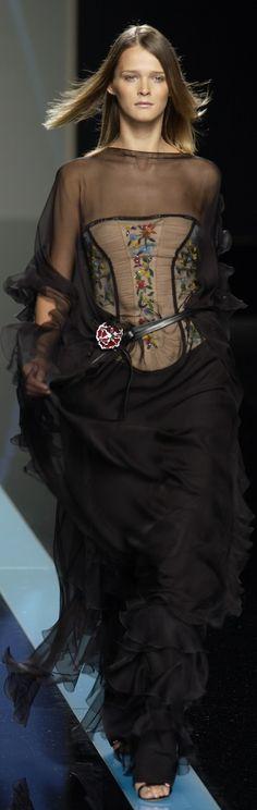 Valentino spring 2002